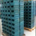 Sichtlagerkisten aus Metall lackiert, gebraucht. Abmessung: LxBxH: 350/300x200x200mm