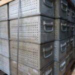 Lochkästen-350x200x175mm-Stapelbehälter-verzinkt-gebraucht-gelocht-3-4mm-Metall-Foto2
