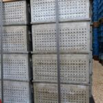 Lochkästen-350x200x175mm-Stapelbehälter-verzinkt-gebraucht-gelocht-3-4mm-Metall-Foto3