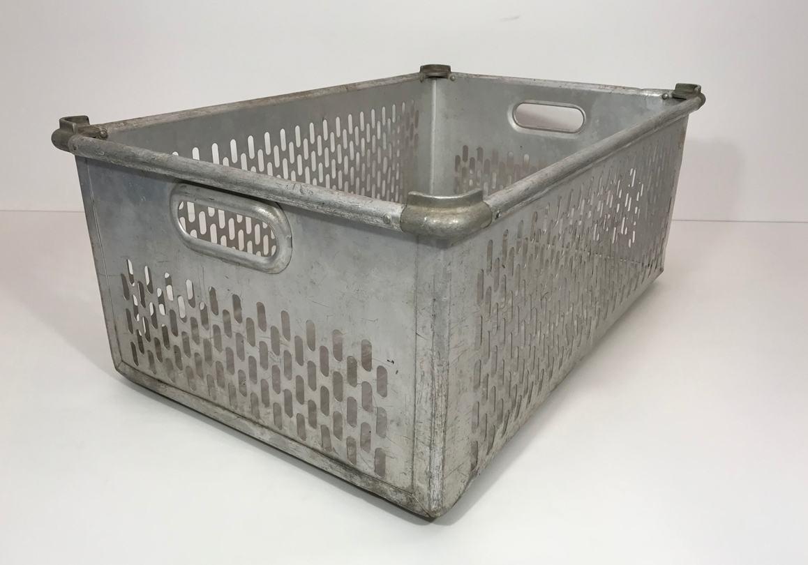 Zarges-Aluminiumbehälter-Stapelbox-geschlitzt-10